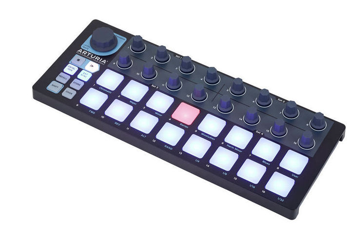 MIDI, Dj контроллер Arturia BeatStep Black Edition