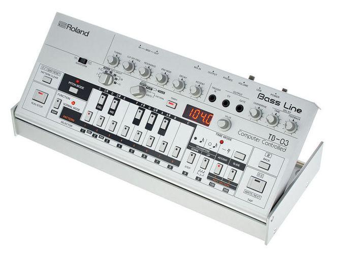 Синтезатор Roland TB-03 вокальный процессор roland vp 03