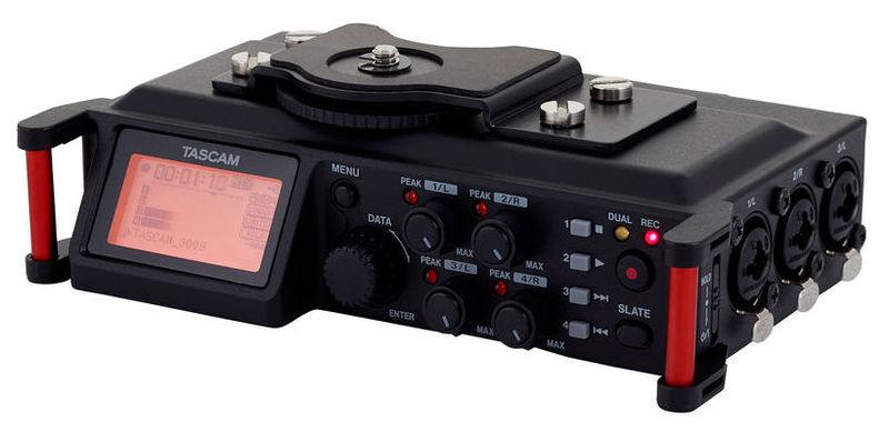 Рекордер Tascam DR-70D tascam tc 1s black