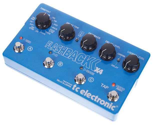 Педаль Reverb/Hall TC Electronic Flashback X4 Delay педаль reverb delay tc electronic flashback delay
