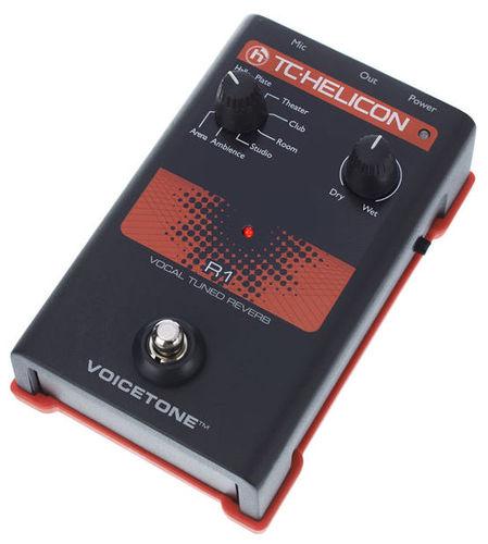 Вокальный процессор TC HELICON VoiceTone R1 вокальный процессор roland vp 03