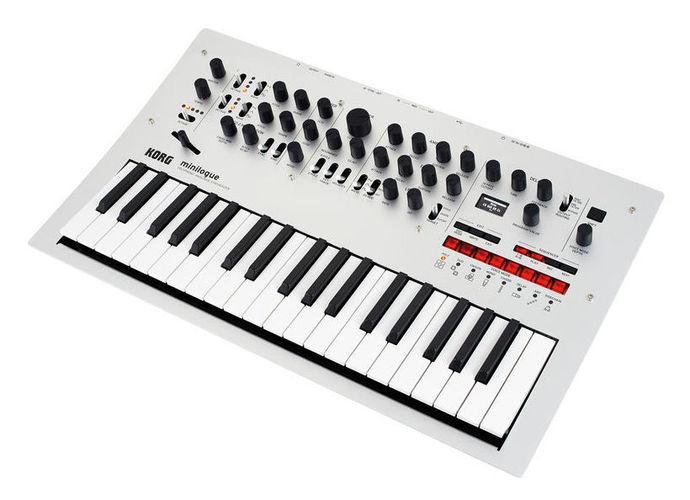 Синтезатор Korg Minilogue