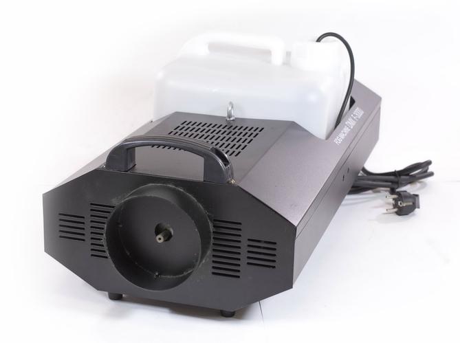 Генератор дыма SZ-AUDIO MS-F07 Fog генератор дыма eurolite dynamic fog 600