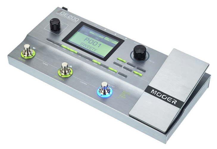 Гитарный процессор для электрогитары Mooer GE 200 гитарный процессор для электрогитары nux pg 2