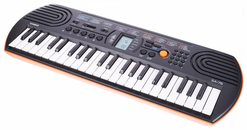 Детский синтезатор Casio SA-76 синтезатор casio wk 7600 76 невзвешенная полноразмерные 64 черный