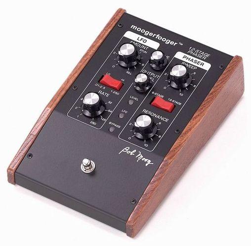 Педали Chorus, Flanger, Phaser Moog MF-103 12-Stage Phaser женские часы moog у10ч100131 estу10ч100131